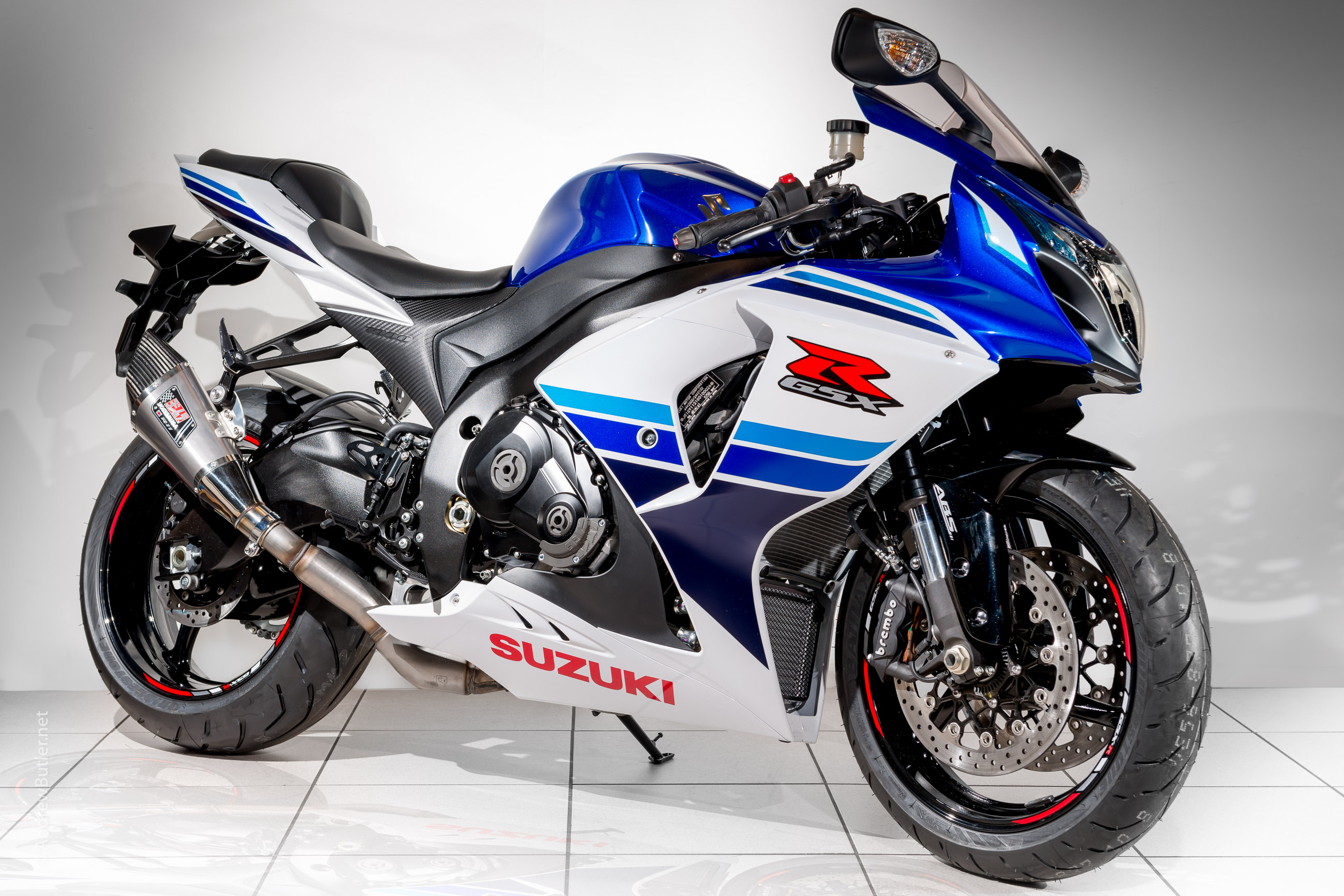 photographing the suzuki gsxr 1000 at fowlers motorcycles bristol. Black Bedroom Furniture Sets. Home Design Ideas